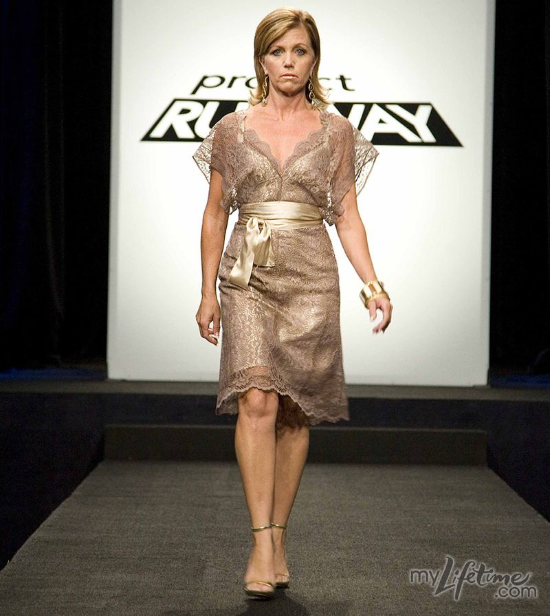 Pr6-ep8-irina-f-WEDDING_LOOK_FROM_OLD_divorcees_design_choice